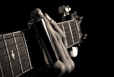 Efsanevi Blues Sanatçısı Gary Moore Yaşamını Yitirdi