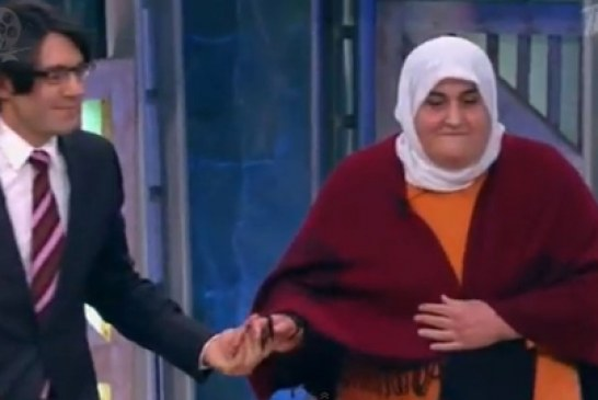 Bu bir insanlık dersidir!!! Rusya'yı ağlatan Gülsüm Anne  (VİDEO)