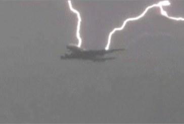 Havada tehlike, Ukraynalı futbolcuları taşıyan uçağa Antalya üzerinde yıldırım çarptı