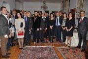 Büyükelçilik rezidansında  anlamlı gece, Türkiye'nin birinciliğinde emeği geçenlere teşekkür plaketi verildi (fotoğraflar)