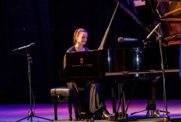 Son zamanların en duygu dolu konseri, Anjelika Akbar'dan unutulmaz müzik ziyafeti