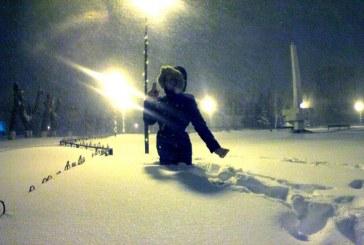 Ukrayna'yı kar vurdu, 380 yerleşim birimi elektriksiz kaldı (VİDEO)