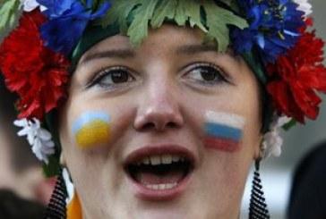 """Ukrayna halkının %40'ı """"Rusça ana dilim"""" diyor"""