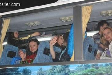 Simav'da duygu dolu anlar, Ukraynalı çocuklar Türk arkadaşlarından ayrılırken gözyaşlarını tutamadılar