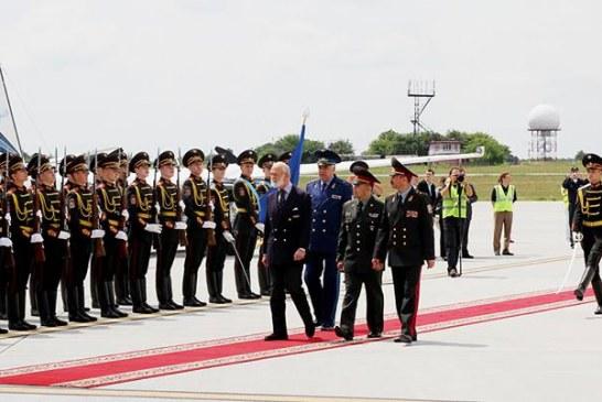 Tarihi uçaklar İngiliz prensi ile geldi, Air Squadron Ukrayna'da