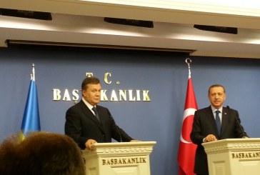 Yanukoviç Türkiye'de işte imzalanan anlaşmalar