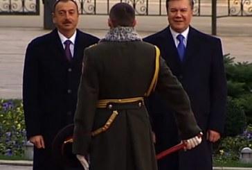 İlham Aliev'in Kiev ziyaretinde şapka kazası (Video)