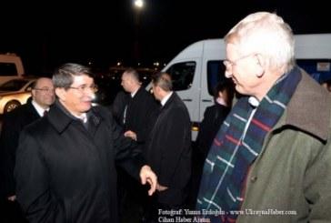 Davutoğlu Kiev'e geldi, AGİT Bakanlar Konseyi toplantısı başlıyor