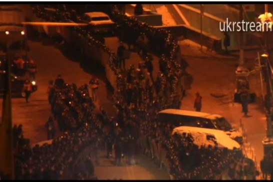 Kiev'de sıcak gece, güvenlik güçlerinden müdehale geldi