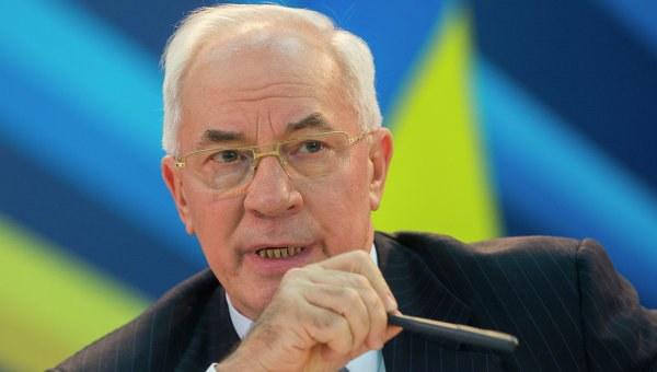 """Başbakan Nikolay Azarov Davos'tan konuştu, """"durum kontrol altında"""""""