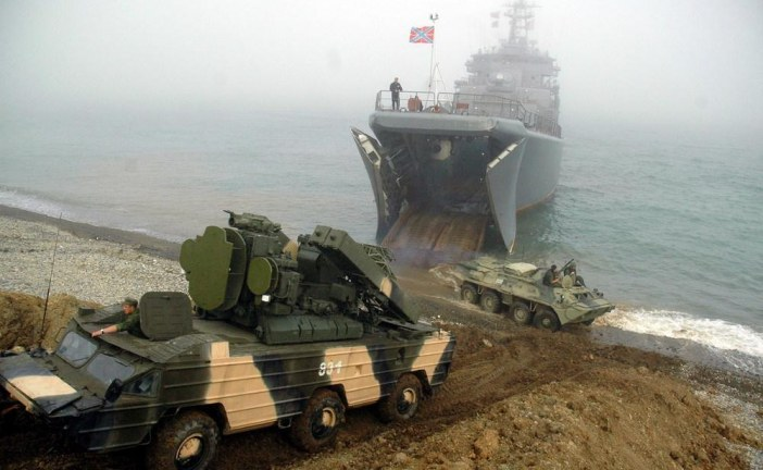 Rusya'dan Ortaklık Anlaşması'na ilk tepki, Kırım'da tam donanımlı ordu konuşlanacak