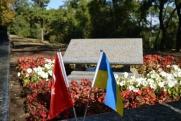 Odesa'daki Türk öğrencilerden çevre duyarlılığı, İstanbul Park'ta temizlik var