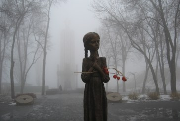 Topraktan da kara bir gün… Ukrayna Golodomor'da kaybettiği milyonları anıyor