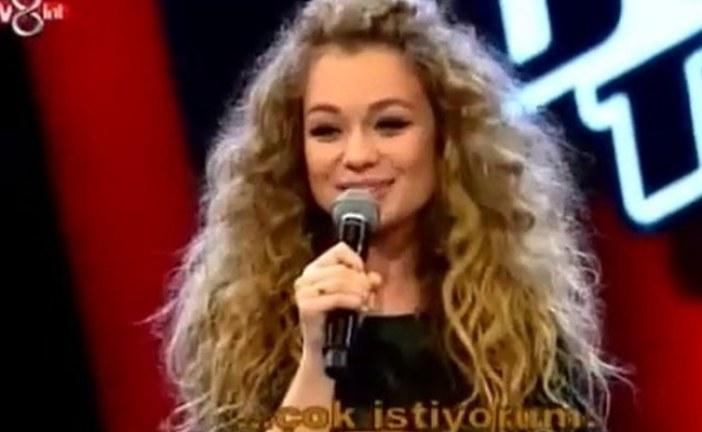 Ukraynalı şarkıcı Yana Solomko'dan Türkiye'nin Sesi'nde büyüleyen performans