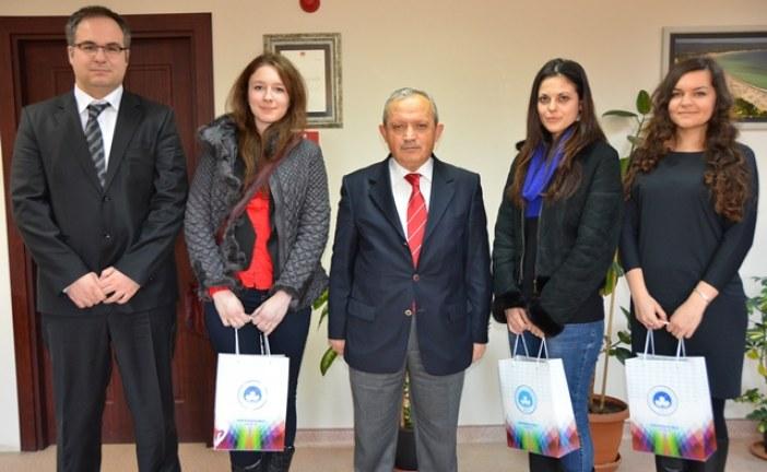 Ukraynalı öğrenciler Kırklareli Üniversitesi Rektörü'nü ziyaret ettiler 'Ukrayna'dan selam getirdik'