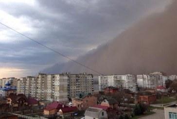 Sanki Arap çölleri… Hmelnitskiy'de kum fırtınası şoku (video)