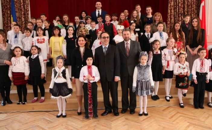 Sanki Türkiye… Kiev'de 23 Nisan coşkusu (galeri)