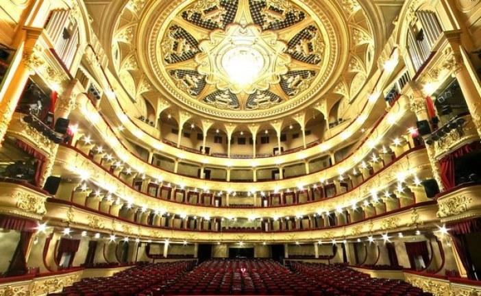 Muhteşem mimarisi ile asırlık Ukrayna Ulusal Operası (fotoğraf galerisi)