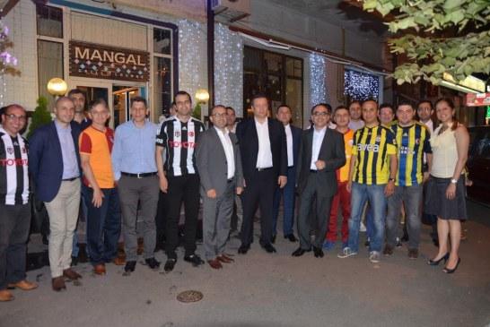 Ukrayna Fenerbahçeliler Derneği'nden Kiev'de iftar yemeği (fotoğraflar)