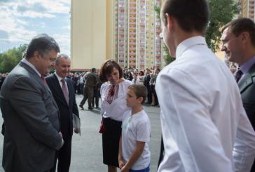 Ukrayna'da terörle mücadelede ölenlerin yakınlarına daire verilmeye başlandı