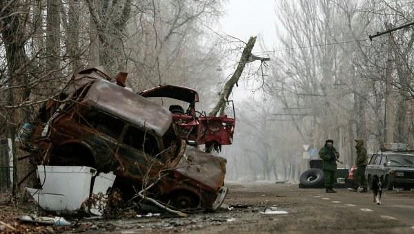 Doğudaki çatışmalar durmuyor, iki Ukrayna askeri hayatını kaybetti, beş yaralı