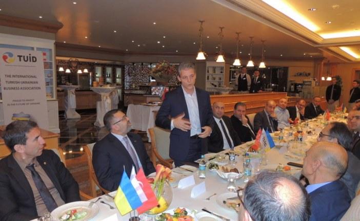 TUİD'den life:)'ın yeni genel müdürü Burak Ersoy'a hoşgeldin yemeği