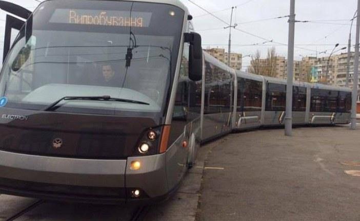 Ukrayna üretimi tramvaylar Kiev'de kullanılmaya başlandı