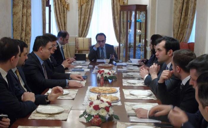 Büyükelçi Yönet Can Tezel Türk işadamları ile bir araya geldi, gündem STA