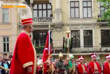 Lviv sokaklarında unutulmaz anlar; Lviv'den Mehteran geçti (video)