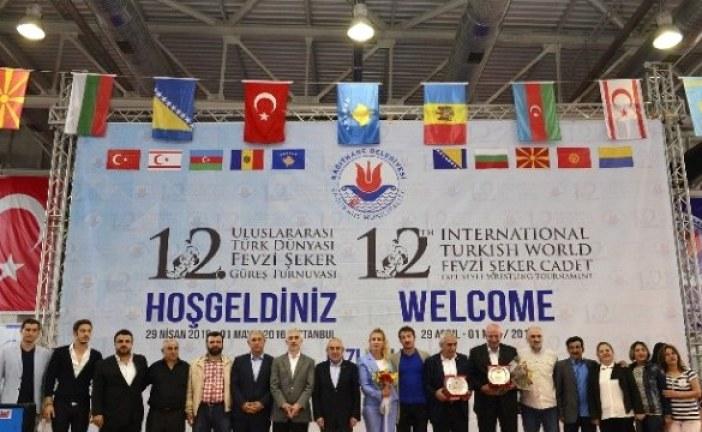 Ukraynalı güreşçi Türkiye'deki turnuvada birinci oldu