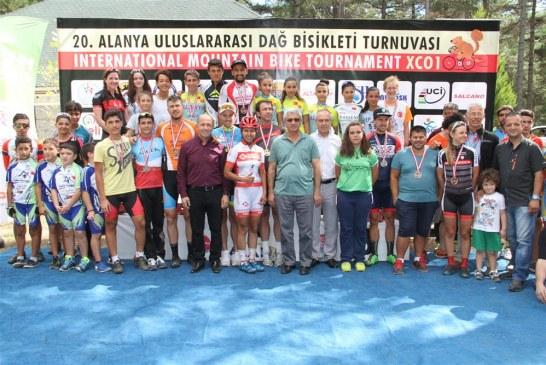 Alanya'daki bisiklet yarışında Ukraynalı sporcu birinci oldu