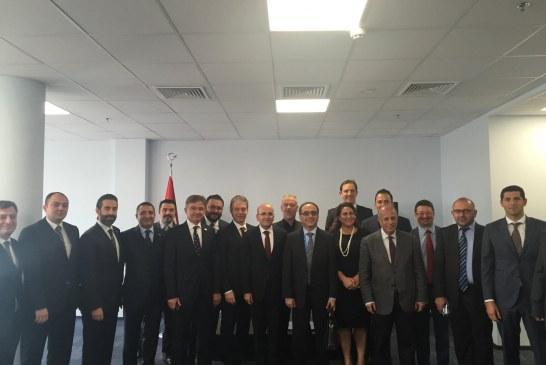 Başbakan Yardımcısı Mehmet Şimşek Kiev'de Türk işadamları ile bir araya geldi (video)