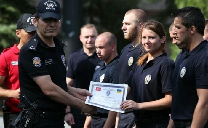 Türk polisinden Ukrayna polisine 'toplumsal olaylara müdahale' eğitimi