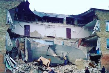 Flaş, Kiev'de okul binası çötü (video)