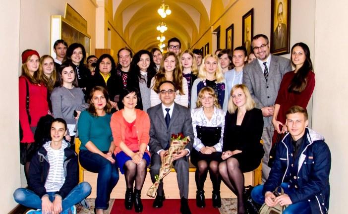 Kiev Büyükelçisi Yönet Can Tezel, Türkoloji bölümü öğrencileri ile bir araya geldi