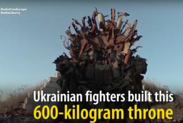 Ukrayna askerleri silah kalıntılarından Taht Oyunları dizinin ünlü tahtını yaptı (video)