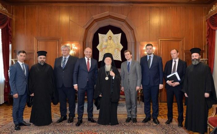 Ukrayna Parlamentosu Başkanı Parubiy, Fener Rum Patriği Bartholomeos ile bir araya geldi