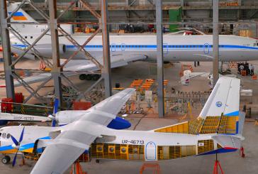 Dünyadaki tek ANT-7, ilk AN -24, helikopterler, yolcu uçakları, NAU hangarı ziyaretçilerini bekliyor