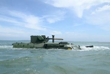 Ukrayna üretimi BTR'ler Endonezya'da, ilk test denizde yapıldı