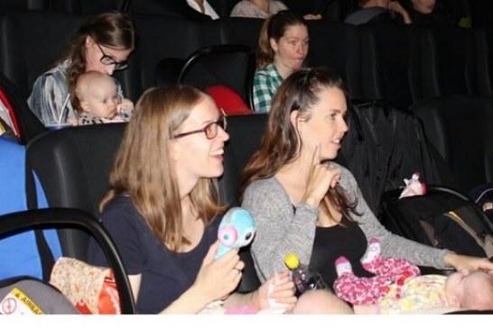 Işıklar açık, filmin sesi kısık;  annelere özel sinema günleri başlıyor