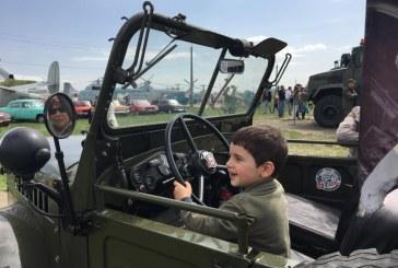 Hafta sonu Kievlilerin tercihi, otomobil festivali Old Car Land oldu (galeri)