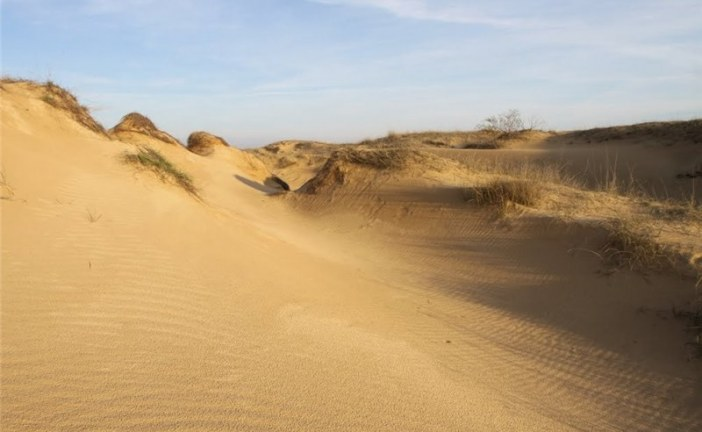'Ukrayna'da çöl mü olurmuş' demeyin; karşınızda şaşırtıcı güzelliği ile Oleşkovskiy Kumluğu