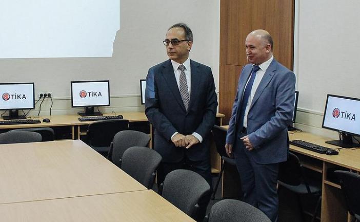 TİKA Ukrayna'da eğitime desteğe devam ediyor, Harkov'da iki bilgisayar sınıfı açıldı