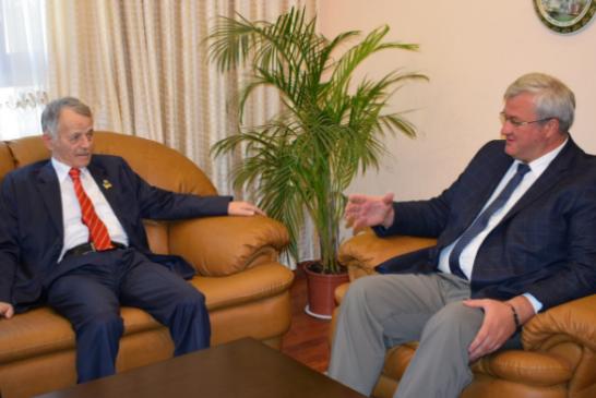 Kırım Tatar lider Kırımoğlu Türkiye'yi ziyaret etti