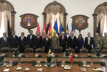 TBMM Milli Savunma Komisyonu üyeleri Ukrayna'da, 'askeri işbirliğimiz sürüyor'