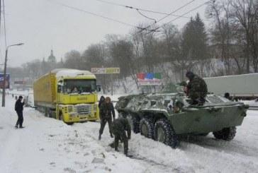 Kiev Belediye başkanı, karla mücadele için ordudan yardım istedi