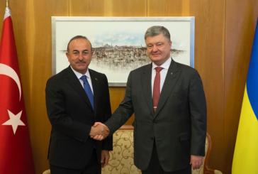 Poroşenko, Çavuşoğlu ile İstanbul'da görüştü; Türkiye, Donbass'taki barış gücü misyonuna katılmaya hazır