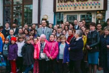Gelenek bozulmadı; Türk işadamları, Çernobil mağduru çocukları konuk etti