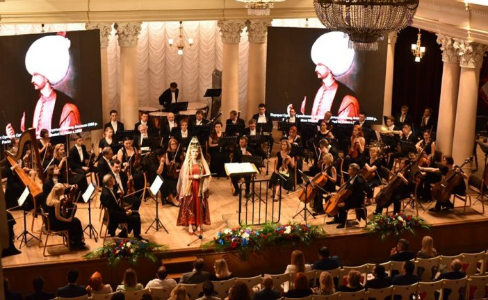 """Kiev Büyükelçiliği'nden muhteşem konser organizasyonu, """"Hürrem Sultan'dan İlham Alan Müzik' ayakta alkışlandı (galeri)"""