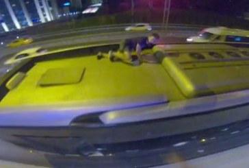 Burası İstanbul; Ukraynalı gençlerin metrobüs sörfü kameraları yansıdı (video)
